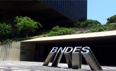 Banco Nacional de Desenvolvimento Econômico e Social - BNDES.