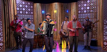 Banda brasiliense Pé de Cerrado se inspira nos contos de Ariano Suassuna