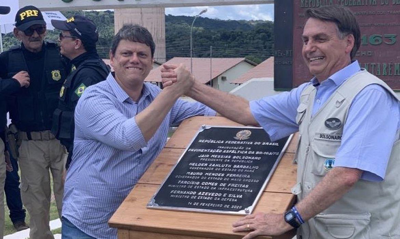 O presidente @jairbolsonaro  participou da inauguração da pavimentação dos 51 Km da BR-163/PA.
