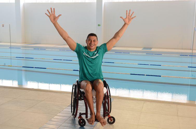 São Paulo - O nadador Clodoaldo Silva faz aclimatação no recém inaugurado Centro de Treinamento Paralímpico na Avenida dos Imigrantes, zona sul.