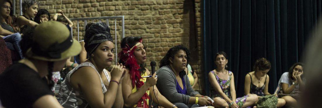 """Roda de Conversa """"Boom feminista: para onde vamos juntas?"""", no Emergências 2015"""