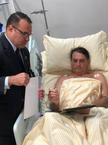 Internado há quatro dias no Hospital Israelita Albert Einstein, capital paulista, o presidente Jair Bolsonaro mantém boa evolução clínica, sem febre ou outros sinais de infecção, segundo boletim médico divulgado hoje (31)