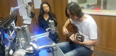 Músicos Eliza Fuzz e Beto Cavani