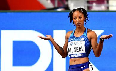 Campeã olímpica dos 100 metros com barreiras, norte-americana Brianna McNeal é supensa por dopping pelos próximos cinco anos - em 04/06/2021