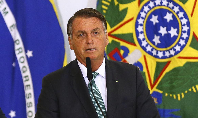 O presidente Jair Bolsonaro durante anúncio de avanços no programa federal de habitação, o Casa Verde e Amarela.