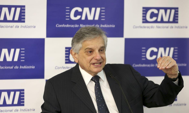 Brasília - O gerente executivo de Política Econômica da CNI, Flávio Castelo Branco, divulga os Indicadores Industriais de maio (Elza/Fiuz/Agência Brasil)