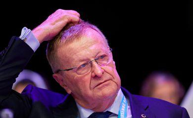 John Coates durante reuni�o do COI em Lausanne