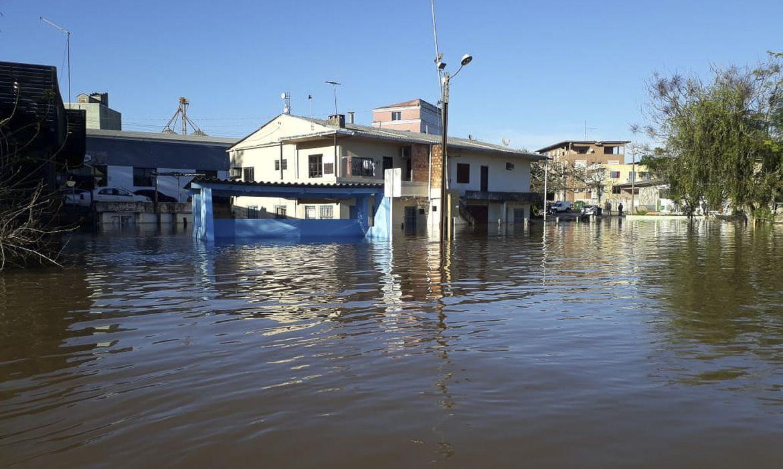 Chuvas intensas e alagamentos atingem municípios do Rio Grande do Sul