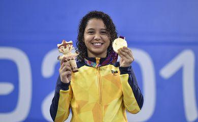 Nadadora paralímpica brasileira está em Quito, impossibilitada de deixar o país devido às restrições impostas por conta da covid-19
