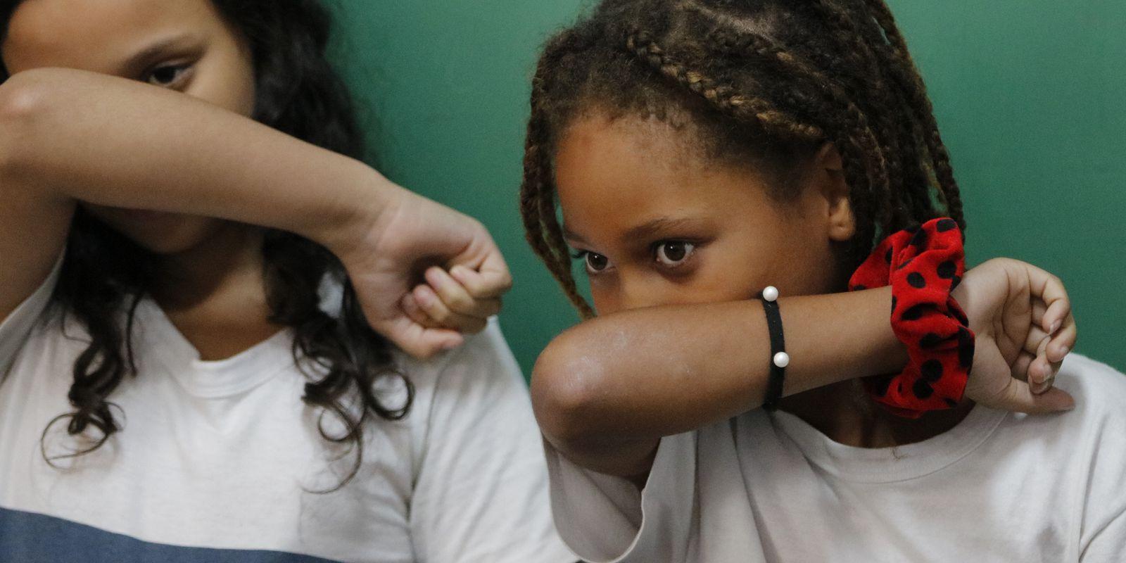 Alunos aprendem a prevenção ao novo coronavírus (Covid-19) na Escola Municipal Pedro Ernesto,
