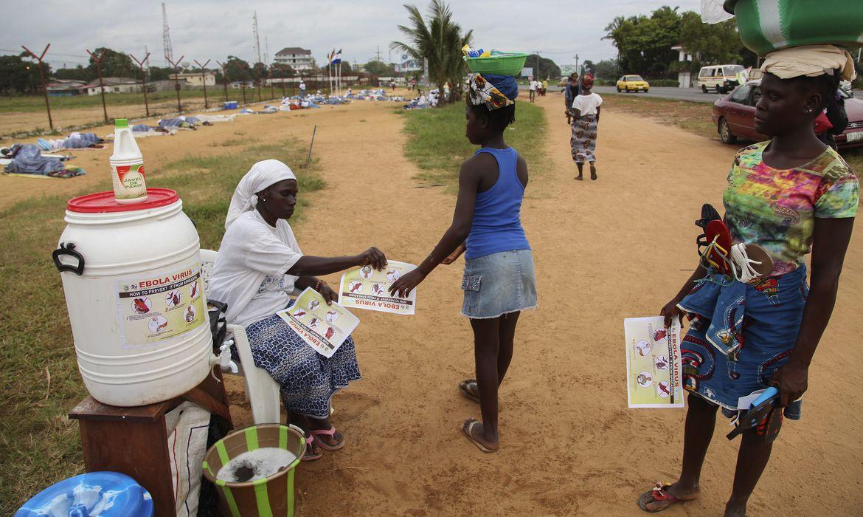 Surto de ebola na África (EPA/Agência Lusa/Direitos Reservados)