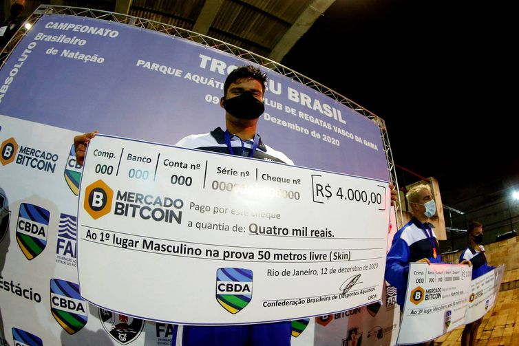 Lucas Peixoto, do Minas Tênis Clube, faturou a prova masculino dos 50m livre no formato skins.