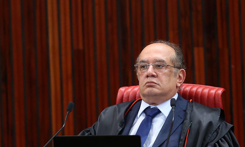Brasília - O presidente do Tribunal Superior Eleitoral, ministro Gilmar Mendes, durante julgamento da chapa Dilma-Temer(José Cruz/Agência Brasil)