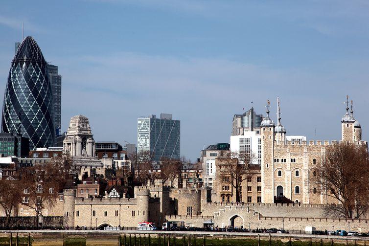 Vista lateral da Torre de Londres