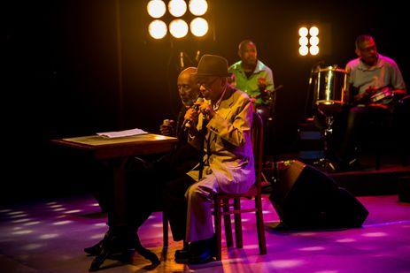 Elton Medeiros e Nelson Sargento cantam no Todas as Bossas