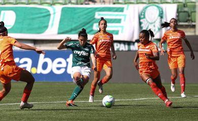 Futebol feminino: Internacional x Palmeiras