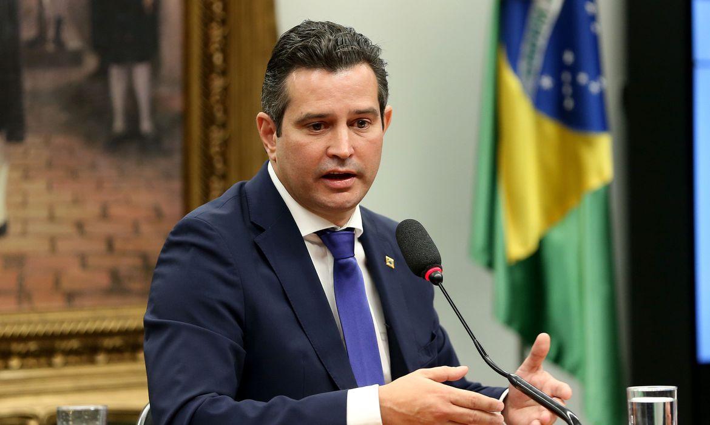 Brasília - O ministro dos Transportes, Maurício Quintella, fala na Comissão de Viação e Transportes da Câmara (Wilson Dias/Agência Brasil)