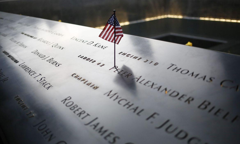 Na manhã de 11 de setembro de 2001, dois aviões se chocaram contra as Torres Gêmeas do World Trade Center (WTC), em Nova York