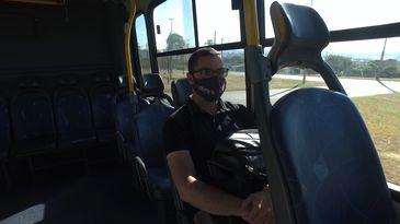 Gabriel Nobre utiliza ônibus e tem medo de ser contaminado por causa do descuido de outros passageiros