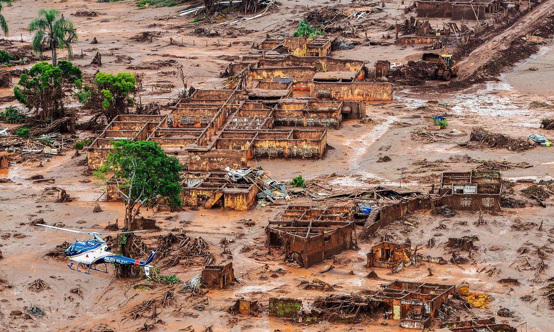 Mariana, MG, após o rompimento da barragem da Samarco. Foto: Antonio Cruz/ABr