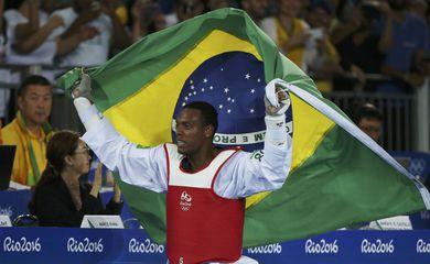 Rio de Janeiro – Maicon Siqueira derrota britânico Mahama Cho e conquista bronze na categoria acima de 80 kg no taekwondo (Reuters/Issei Kato/Direitos Reservados)