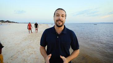 Ramom Morato viaja pelo Rio Maués-Açu para conhecer a produção do guaraná