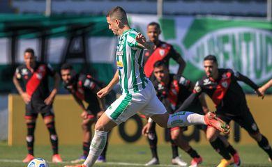 Juventude empata com Atlético-GO na prorrogação