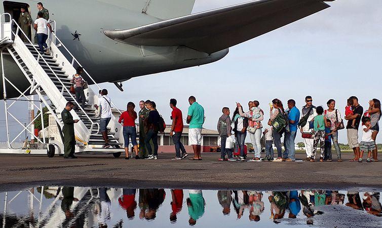 Venezuelanos contemplados pela Operação Acolhida embarcando. (Acnur / Divulgação)