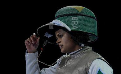 Bia Bulcão para nas semifinais e conquista a primeira medalha da esgrima brasileira em Lima 2019.