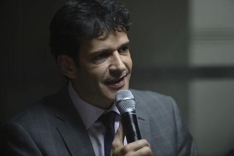 O ministro do Turismo, Marcelo Álvaro Antônio, durante posse do presidente da Embratur, Gilson Machado Neto.