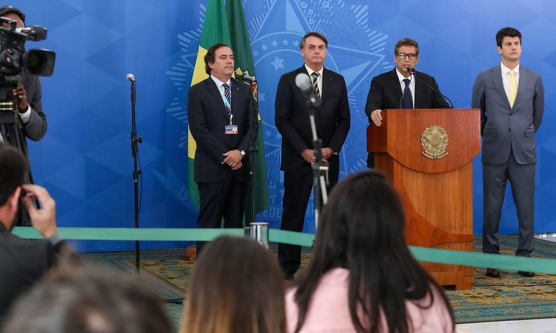 (Brasília - DF, 25703/2020) Presidente da República Jair Bolsonaro, durante coletiva de imprensa ao lado do Presidente do Banco Central Roberto Campos Neto, do Presidente da Caixa Pedro Guimarães e do Presidente do BNDES Gustavo Montezano. Foto: