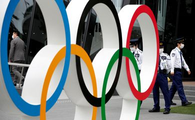 Anéis olímpicos em Tóquio - Olimpíada - Jogos