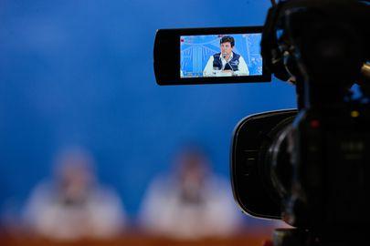 O ministro da Saúde, Luiz Henrique Mandetta, durante a coletiva de imprensa e boletim diário, sobre à infecção pelo novo coronavírus no país