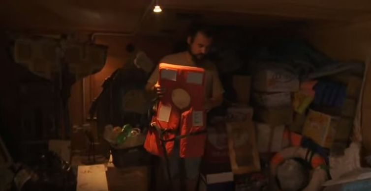 Objetos de imigrantes que o mar trouxe para a ilha Lampedusa