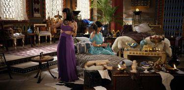 Yunet tenta consolar Nefertari