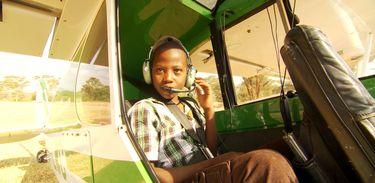 Newton visita a reserva natural Ol Pejeta, no Quênia