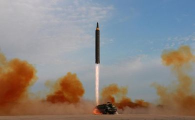 Lançamento de míssil pela Coreia do Norte - Agência Reuters
