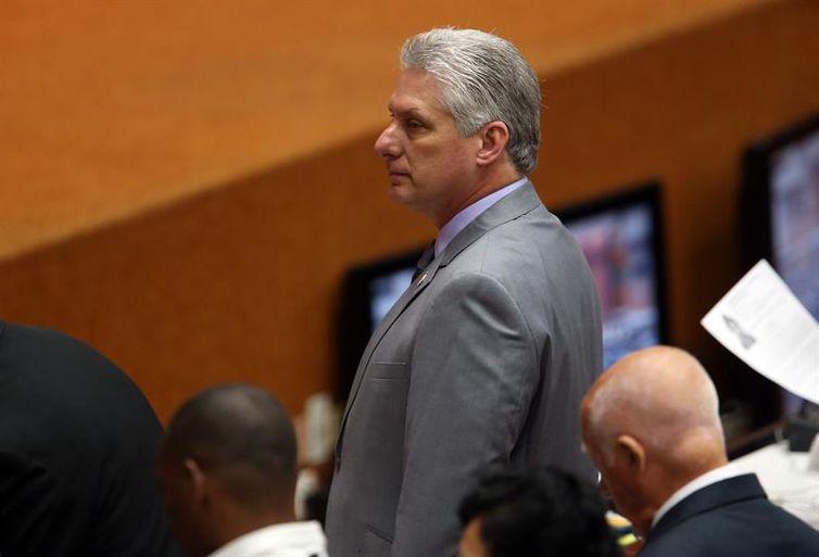 O primeiro vice-presidente de Cuba, Miguel Díaz-Canel, em sessão constitutiva da IX legislatura da Assembleia Nacional do Poder Popular
