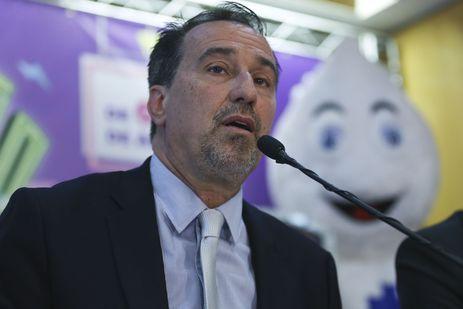 O ministro da Saúde, Gilberto Occhi, lança a Campanha Nacional de Vacinação contra a poliomielite e sarampo.