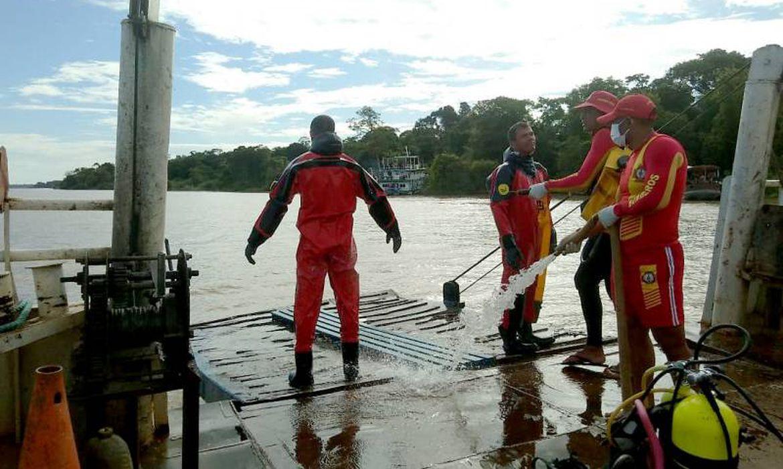 Uma equipe de 10 mergulhadores do Grupamento Marítimo e Fluvial do Corpo de Bombeiros do Pará vem atuando nas ações de resgate e busca a vítimas do naufrágio do navio Anna Karoline III