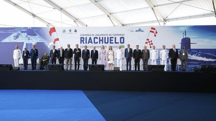O presidente Michel Temer e o presidente eleito Jair Bolsonaro participam da Cerimônia de Lançamento do Submarino Riachuelo.