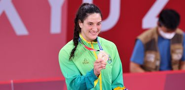 Mayra Aguiar