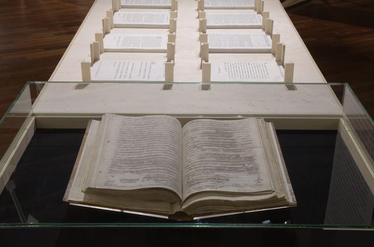 O Livro de Vereações continha as atas das decisões liberais e foi rasurado a mando de elites absolutistas.