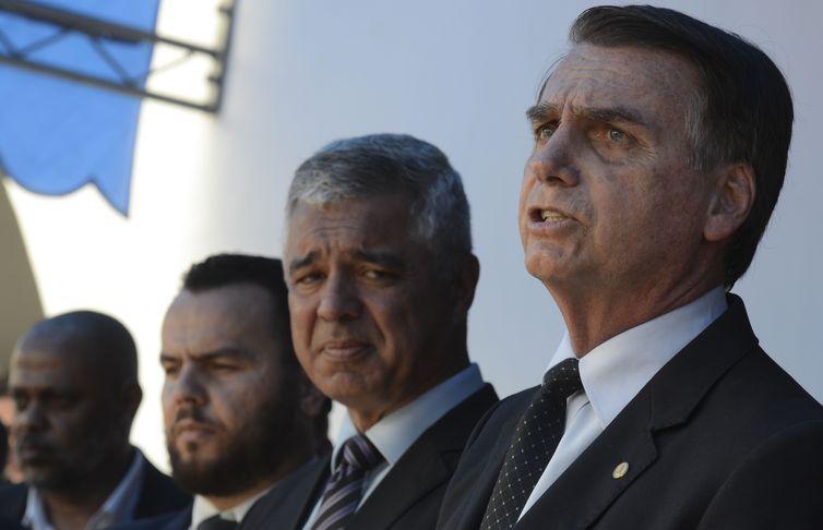 O presidente eleito, Jair Bolsonaro, participa na cidade de Guaratinguetá, no Vale do Paraíba, em São Paulo, da formatura de sargentos da Aeronáutica na Escola de Especialistas da Aeronáutica (EEAR)