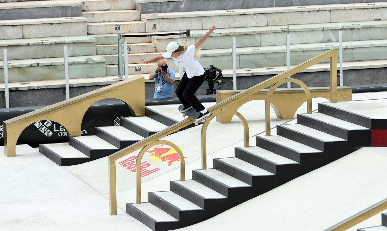 Três brasileiras avançam no Street Skate