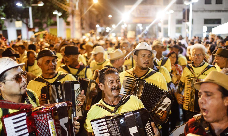 Recife - Tradicional Caminhada do Forró abre as festas juninas no Recife (Andréa Rêgo Barros/PCR)