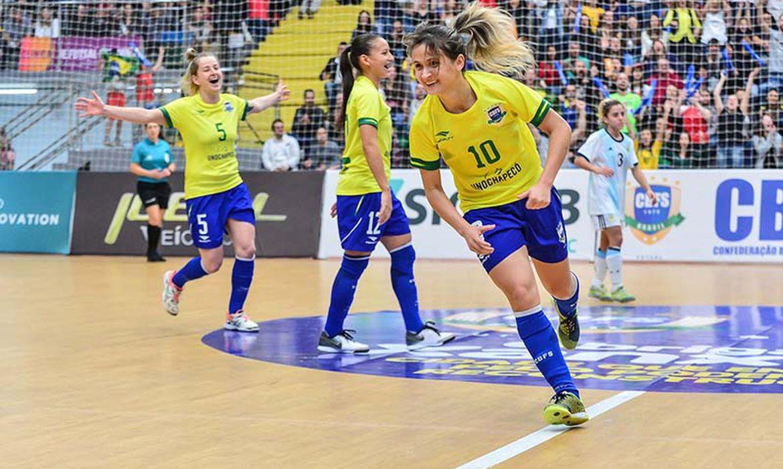 Amandinha é eleita pela sexta vez consecutiva a melhor jogadora do mundo de Futsal