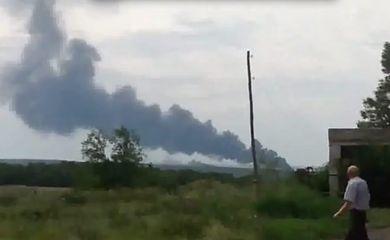 Avião da Malaysia Airlines cai na Ucrânia, perto da fronteira com a Rússia