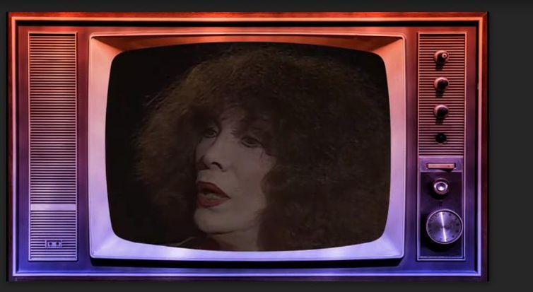 Cantora Marlene é homenageada no Recordar é TV