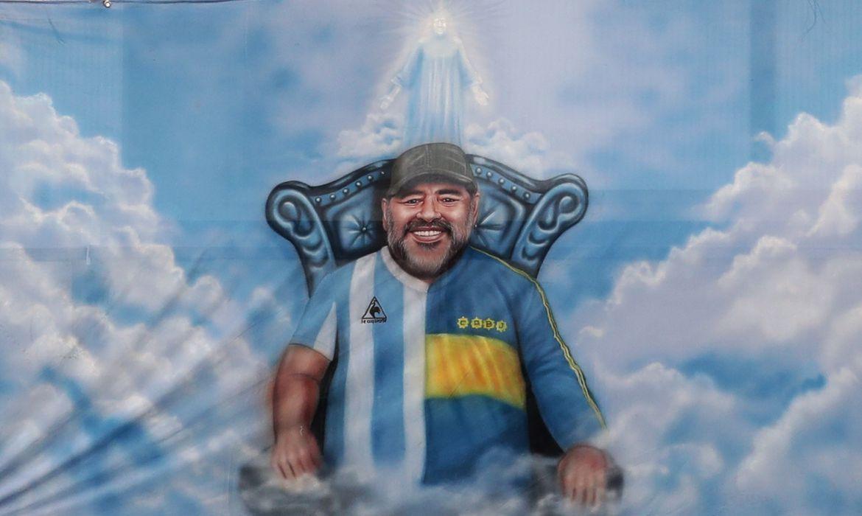 Painel com imagem de Maradona no estádio La Bombonera